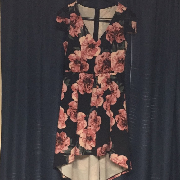 Charlotte Russe Dresses & Skirts - Floral print high low dress